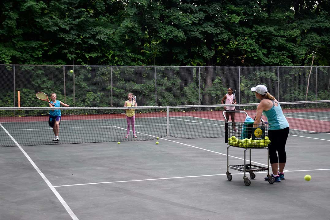 Girls-Summer-Sports-Camp---Belvoir-Terrace-2017-Tennis