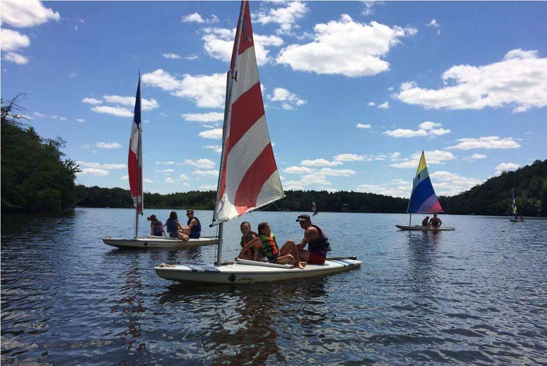 Summer-Girls-Camp---Sailing-at-Belvoir-Terrace-2017